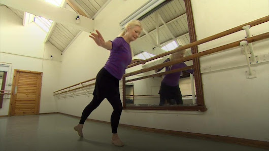 The 72-year-old ballerina - BBC News