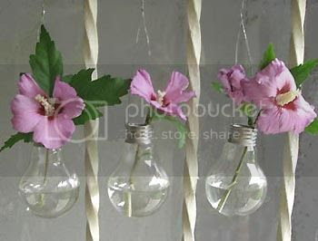 Recycle Old Light Bulbs into Mini Vases