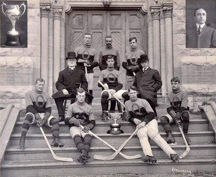 1909 Queens University Hockey Team