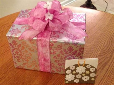 Wedding shower gift wrap idea   Cards and Wrapping