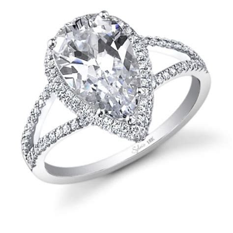 Teardrop shape diamond engagement ring  I've always