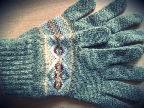 THE GLOVES 2