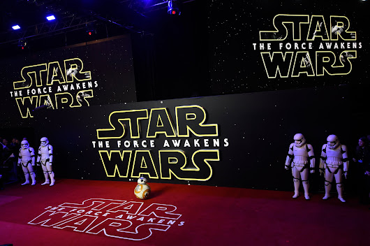 'Star Wars' Premiere Takes Europe's Nerds Off the Internet, if Only Temporarily