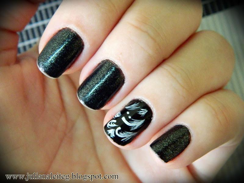 juliana leite nail art unhas estampa azulejo preto e branco decoradas