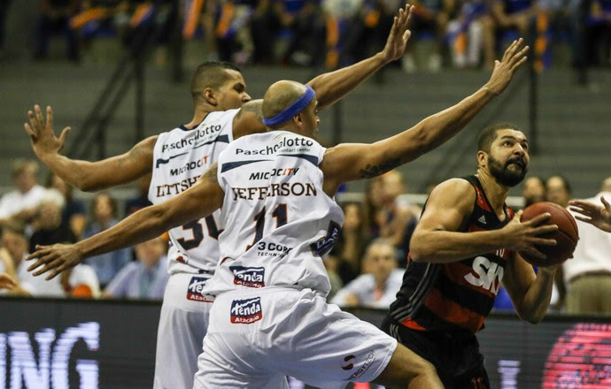 Flamengo Bauru Final NBB Olivinha  (Foto: Luiz Pires/LNB)