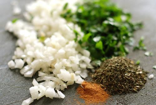sibul, vürtsid/onion and spices