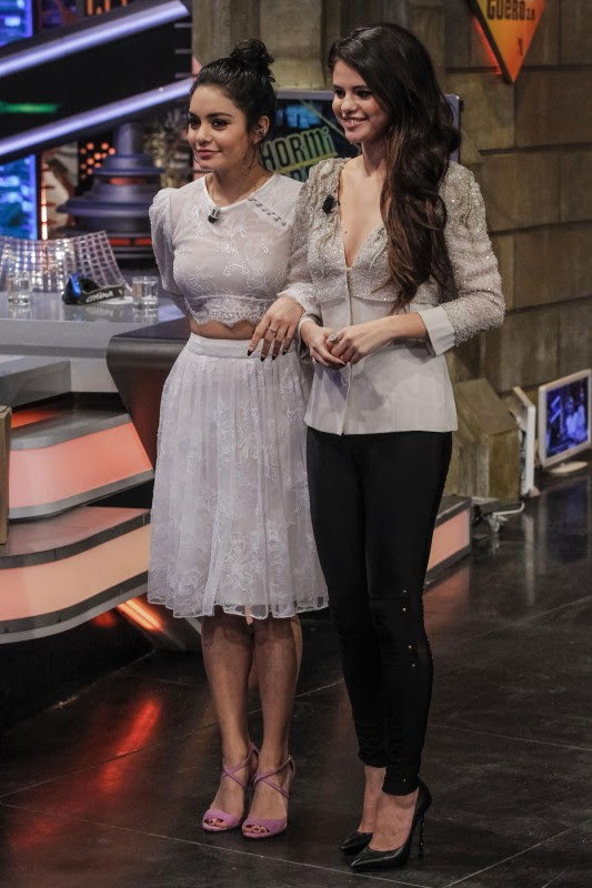 Vanessa-Hudgens-and-Selena-Gomez-at-El-Hormiguero-TV-Show-in-Madrid-Pictures-Photos-8