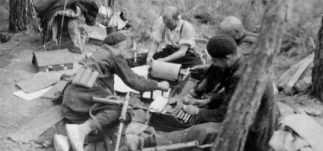 Guerrilleros en el campamento de Aguaviva, 1947.