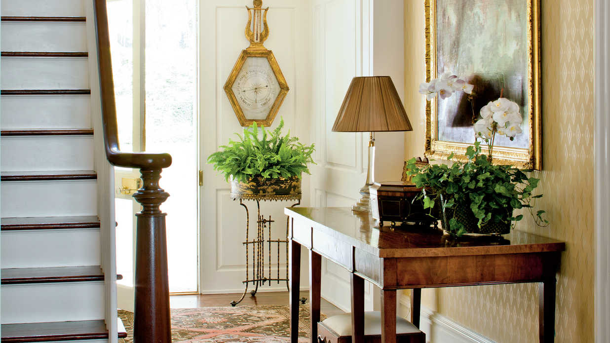 entry hall decorating ideas pictures | Decoratingspecial.com