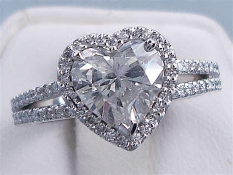 2.13 CTW HEART SHAPE DIAMOND WEDDING RING SET (Includes a