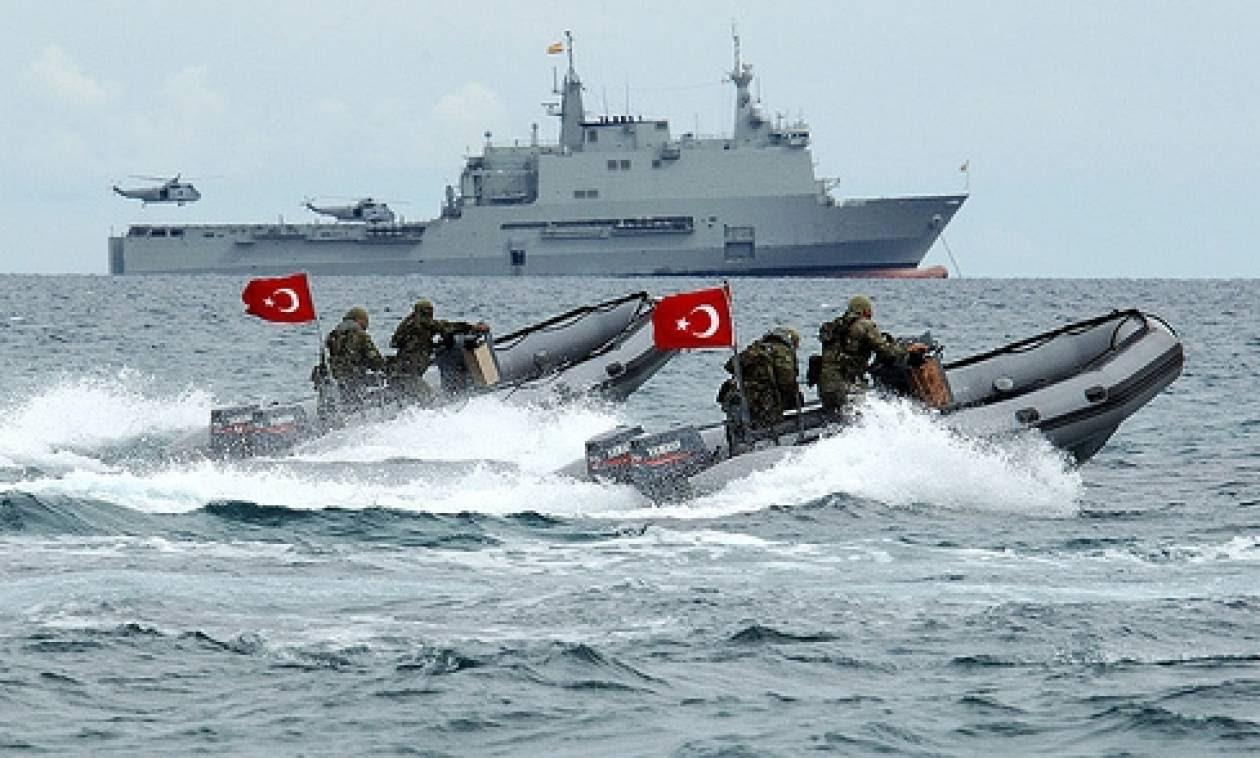 Τι συμβαίνει στα τουρκικά παράλια; Πολεμικά πλοία απέναντι από ελληνικά νησιά