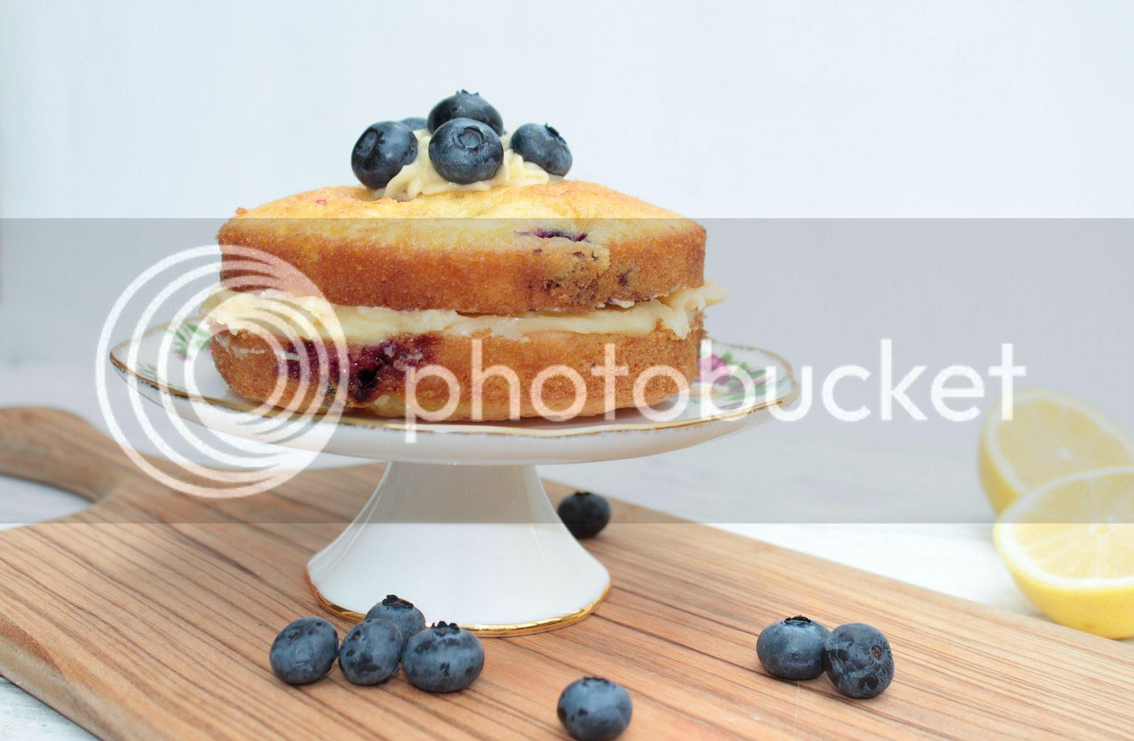 lemon and blueberry sponge