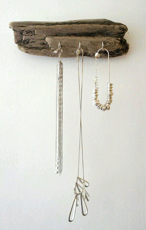 Driftwood jewelry display, for me I would need a huge one! Could you image a whole driftwood tree on a bathroom wall that had hooks for towels and clothing as well?! Cuz I can...