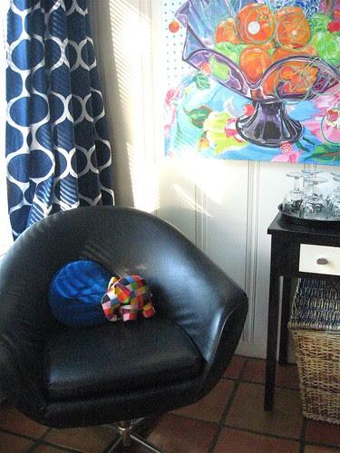 mod chair corner