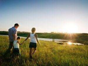 family-sun-field