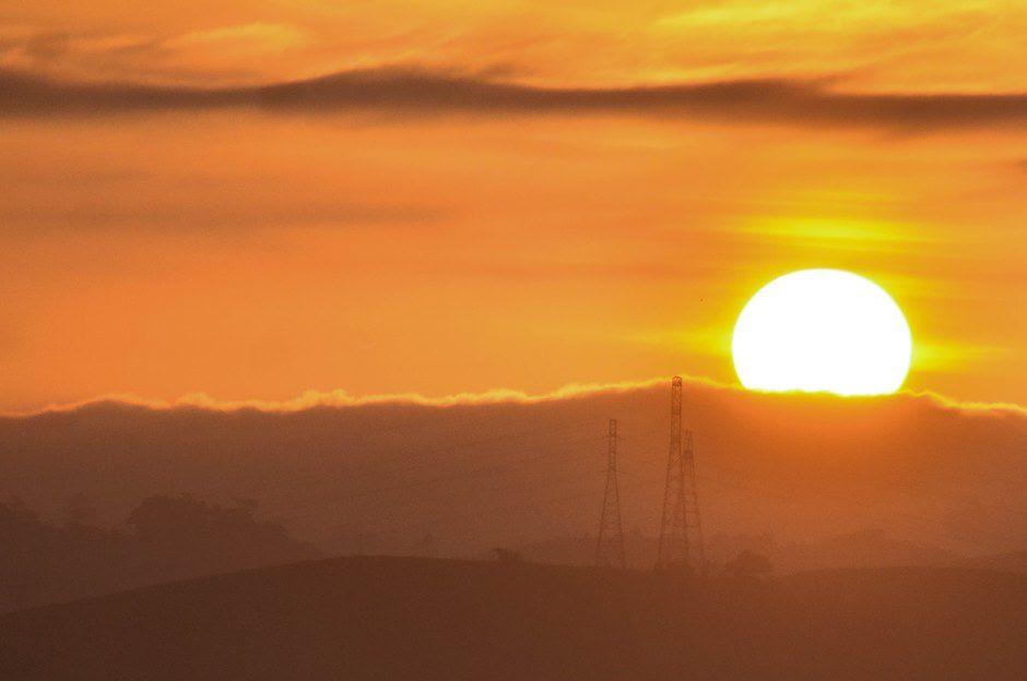Medida tem como objetivo aproveitar melhor a luz solar durante o período do verão / Nilton Cardin/Estadão Conteúdo