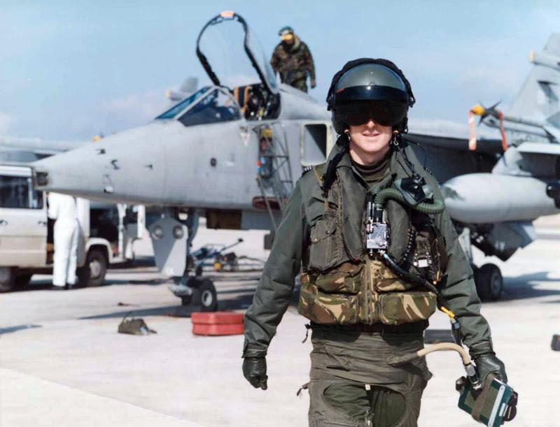 Pilot Tempur Inggris Jadi Mualaf Usai Baca Alquran