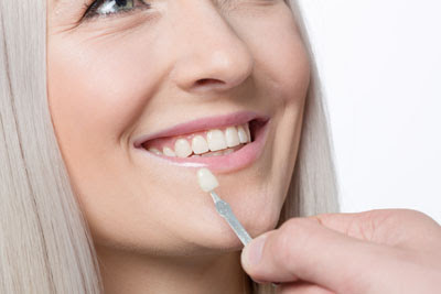 Visit a Lumineers Dentist and Improve Your Smile for Spring