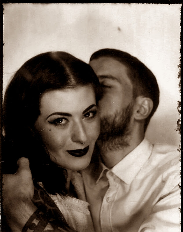 VINTAGE_PHOTO_LOVE_COUPLE_PHOTOAUTOMAT_BERLIN_NEUKOELLN_HERMANNPLATZ_LIEBE_40S_50S_HAIR_MAKE-UP (4)