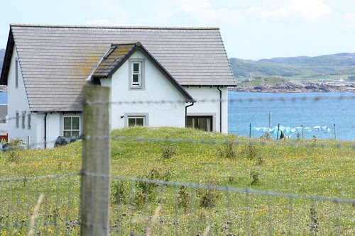 Aqua laundry on Iona