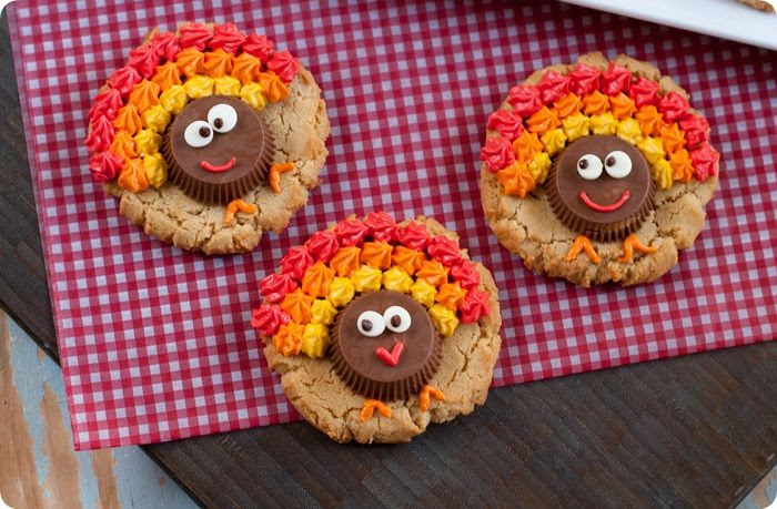 peanut butter cup turkey cookies...triple-shot of peanut butter: cookie, cup & frosting! from bakeat350.net