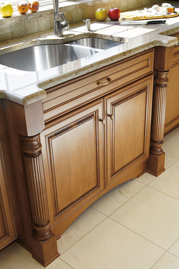 Reeded Cabinet Leg - Decora Cabinetry