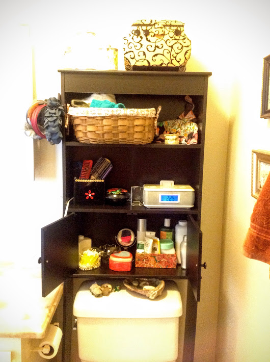 SDD Clutter Free Day 14: Bathroom Cabinet, and I Start Selling Things