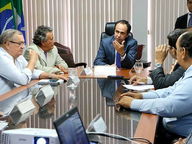 Superintende regional da CBTU se reuniu com o governador em exercício nesta segunda-feira (29) (Foto: Rayane Mainara)
