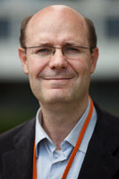 <p>El catedrático Víctor Moreno, de la Facultad de Medicina y Ciencias de la Salud de la Universidad de Barcelona, el Instituto de Investigación Biomédica de Bellvitge y el Instituto Catalán de Oncología. / UB</p>