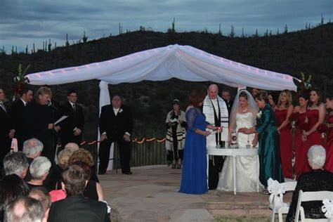Blending Jewish and Catholic Traditions at your Wedding