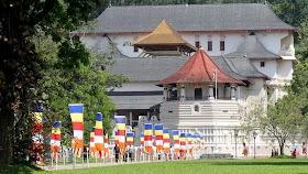 Para Menteri Sri Lanka Disumpah di Vihara Relikui Gigi Suci oleh - buddhaindonesia.xyz