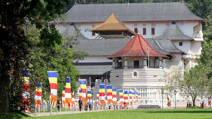Para Menteri Sri Lanka Disumpah di Vihara Relikui Gigi Suci oleh - ajaranbuddha.xyz