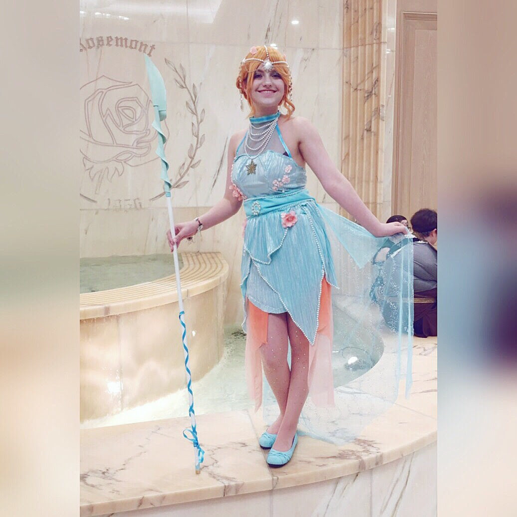 I brought my Pearl cosplay to Anime Midwest this year! I got so many nice comments, I definitely want to cosplay her again.