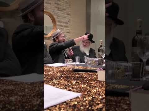 Comedian Yoeli Lebowitz speaking at a recent event
