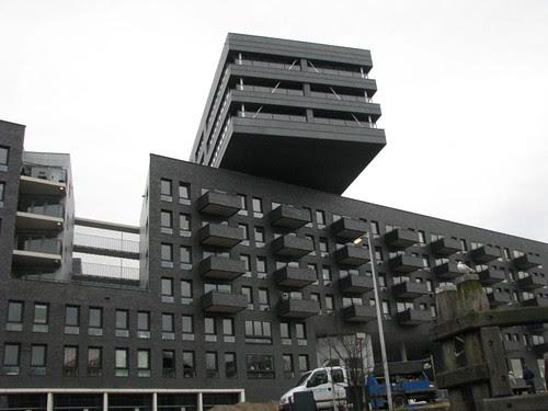 prédio contemporâneo