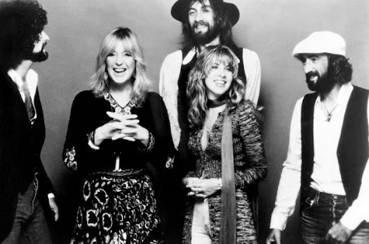 Fleetwood Mac Shares Early Version of 1975 Classic 'Monday Morning' | Billboard