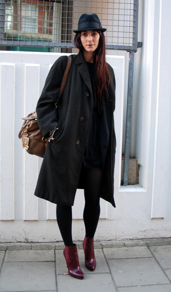 burgundy_boots