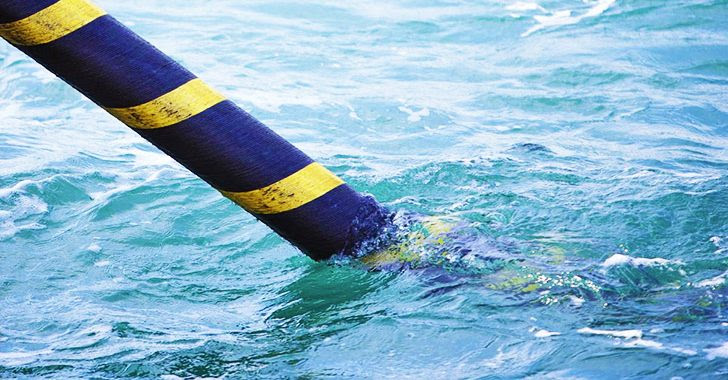 installing-submarine-transmission-cable-
