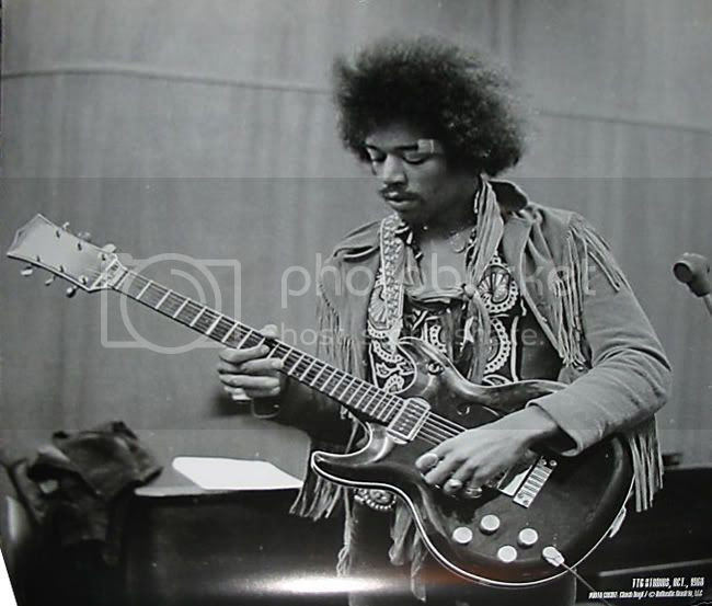 Jimi Hendrix plays the Acoustic Black Widow