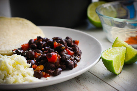 HOW TO DRESS UP YOUR BLACK BEANS: 5 WAYS | Food Apparel