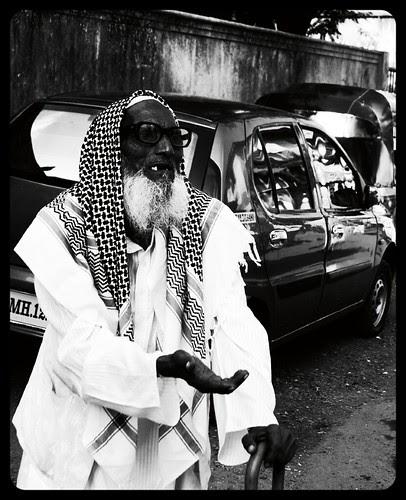 Hath Pehlane Ke Siwa Kuch Ata Nahi by firoze shakir photographerno1