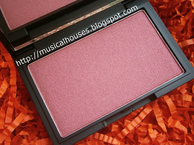 sleek pomegranate blush