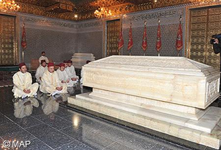http://www.islametinfo.fr/wp-content/uploads/2012/07/SM-le-Roi-Veillee-mausolee-.jpg?bcf04c