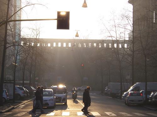 Il sole come semaforo bianco by Ylbert Durishti