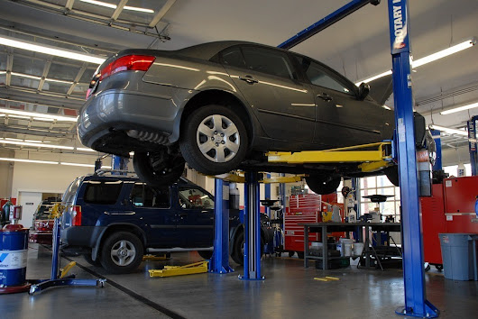 What Should You Be Looking for While Choosing a Workshop for Your Car Repairing?