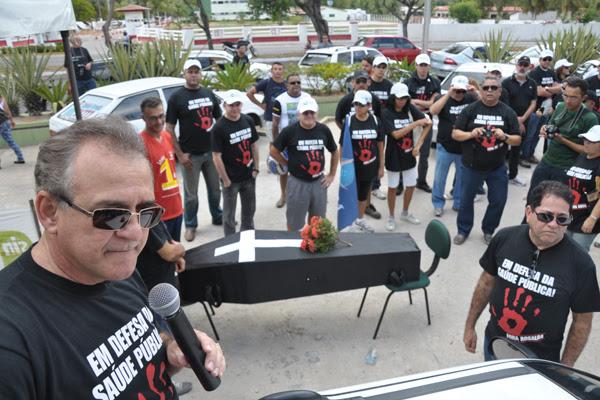 Manifestação ocorreu na manhã de hoje em frente o Hospital Walfredo Gurgel