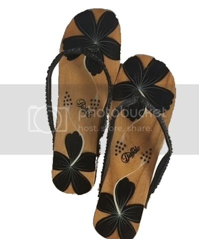 Buffalo Holz Flip Flops mit Hibiskusblüten-Print