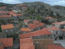 Sortelha aldeia granitica.jpg
