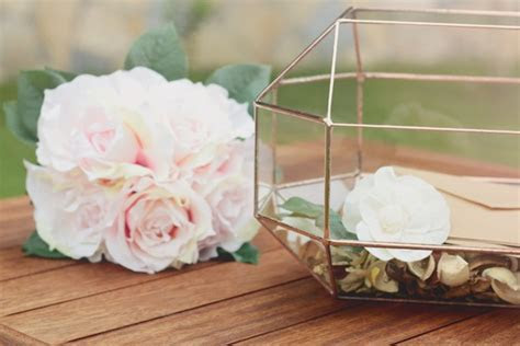 5 Creative Ideas for Your Wedding Day Gift Table