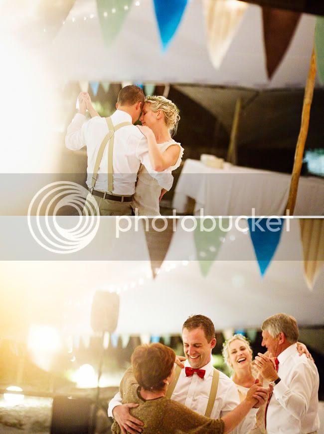 http://i892.photobucket.com/albums/ac125/lovemademedoit/welovepictures/StrandKombuis_Wedding_106.jpg?t=1324655196